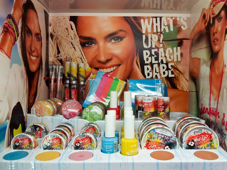 "Display der ""What's up? Beach Babe""-LE von p2 cosmetics"