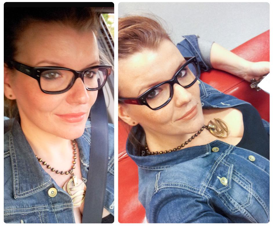 """Tragefoto des alverde-Lippenstifts in der Farbe """"58 STARTLIGHT CORAL"""" links bei Tageslicht (Abendlichtt) und rechts mit Kunstlicht (IKEA) ;)"""