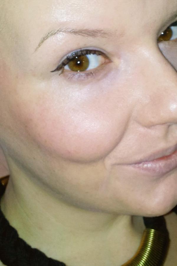 "Robina Hood: Lidstrich gezogen mit dem essence ""I love Punk"" jumbo eyeliner pen"