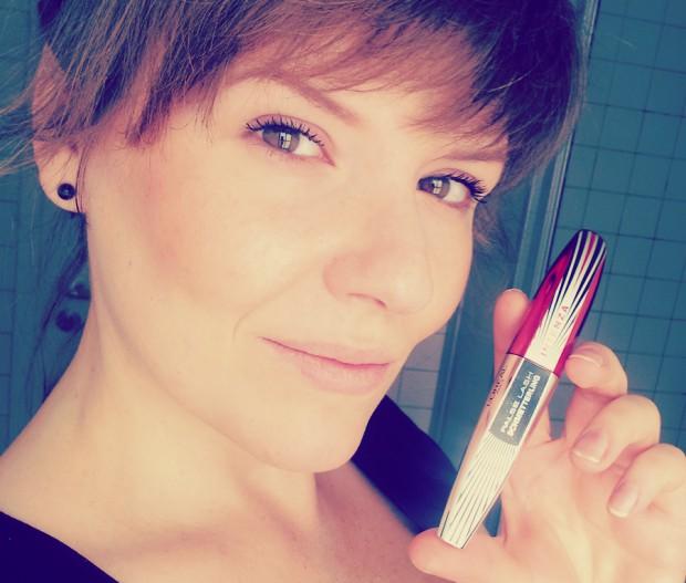 Robina Hood Produkttest Testurteil: L'Oréal False Lash Schmetterling Mascara Wimperntusche Tragefotos vorher und nachher