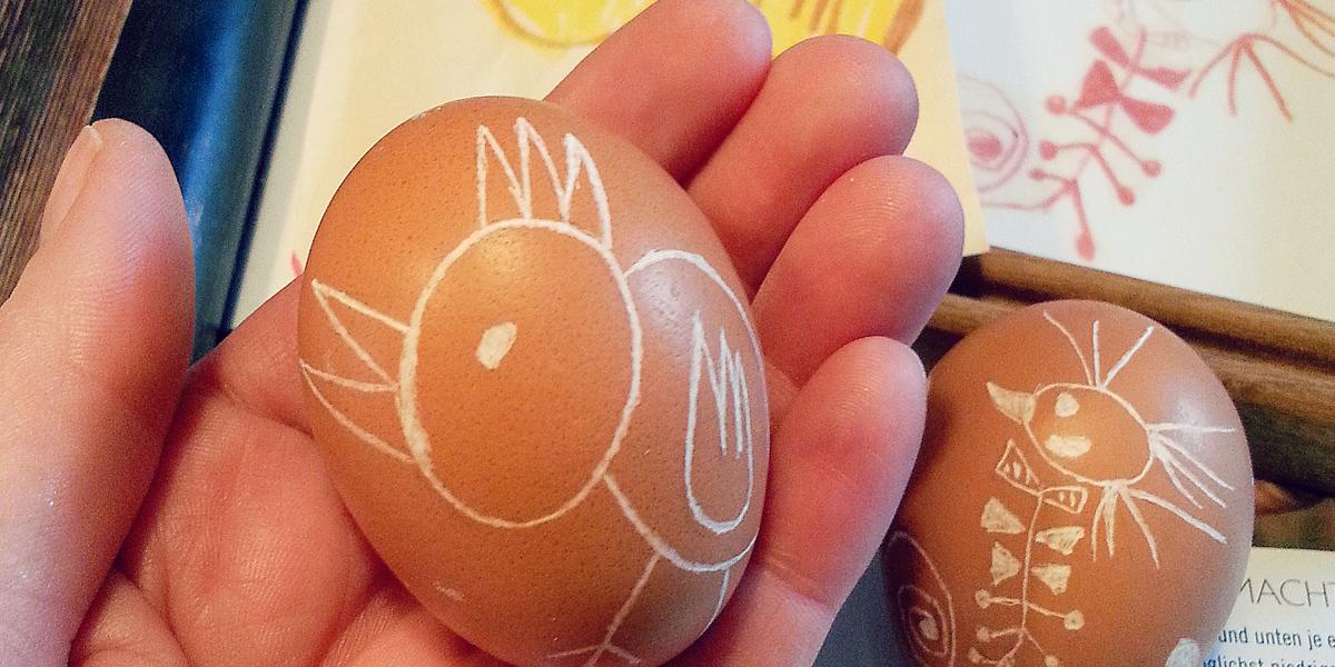 DIY-Osterschmuck-Ostereier-Kinderzeichnung-fräsen-küken-drachen