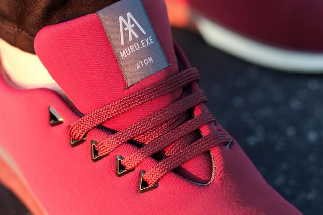 Detailfoto Sneakers MURO.EXE Modell ATOM in der Farbe GRAPE Größe 40 Tragefoto Robina Hood